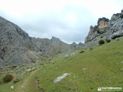 Parque Natural Cazorla-Sistema Prebético;senderismo en cartagena nacimiento del ebro monasterio del